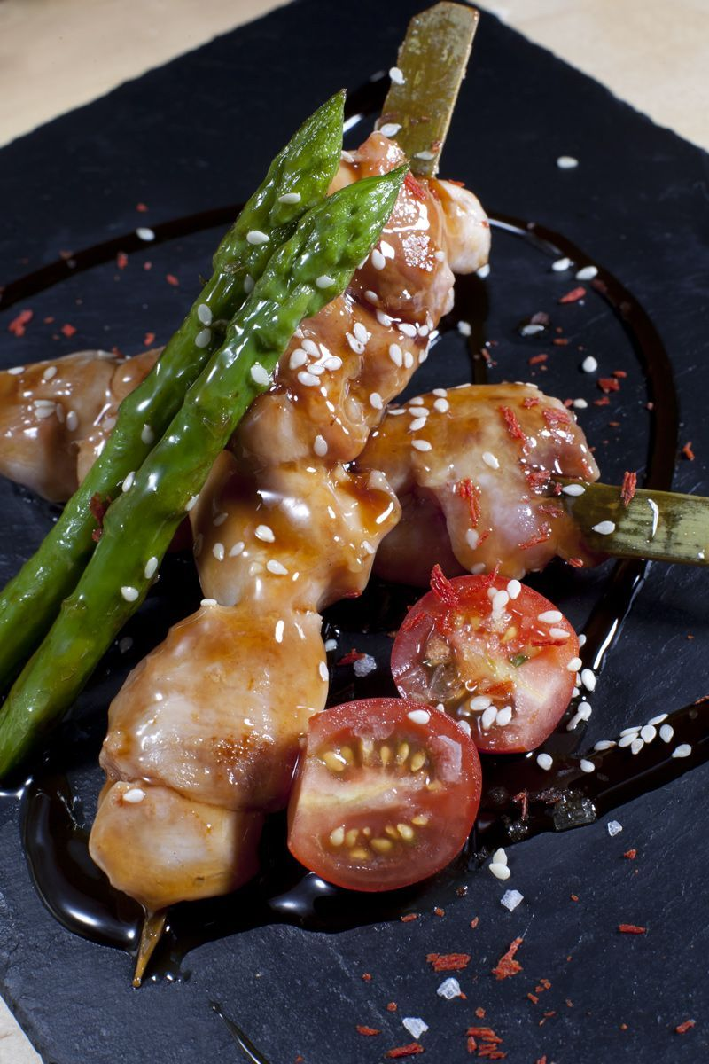 Yakitori chicken (japanese skewer)